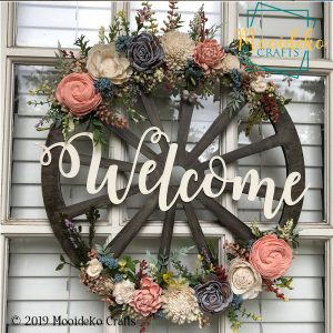 """Spring Floral """"Welcome"""" Wheel Sign"""